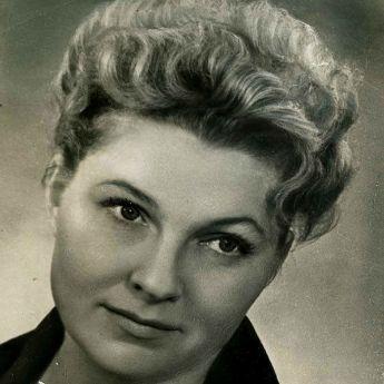 Лариса Бухарцева